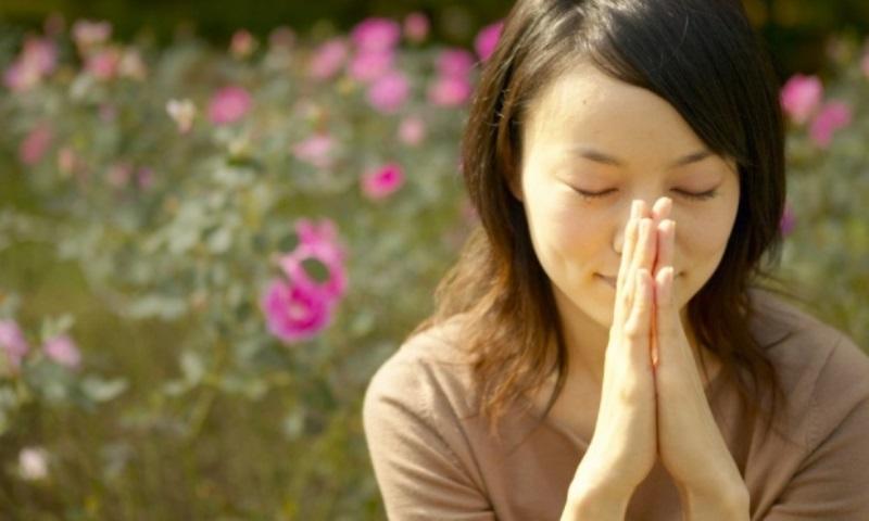 22-mulher-orando